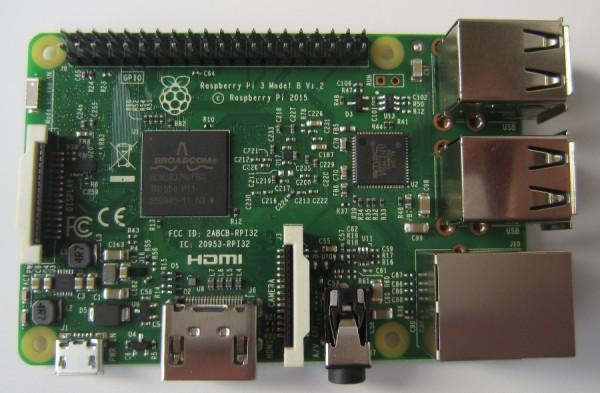 Rein äußerlich ist der Raspberry Pi 3 (Modell B) kaum von seinem Vorgängermodell zu unterscheiden.